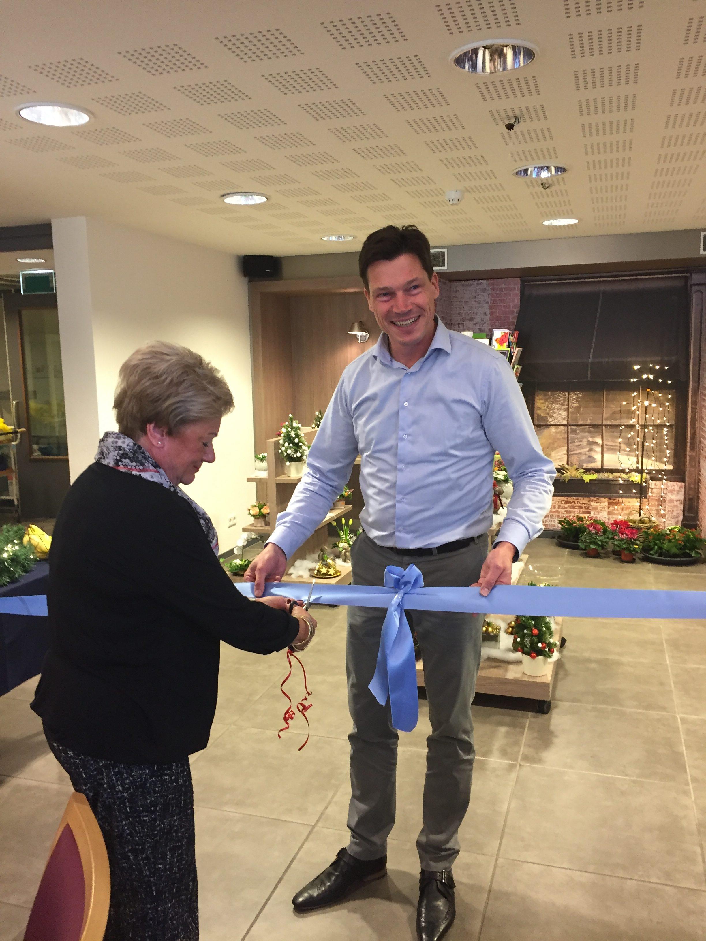 Opening Winkeltje 1